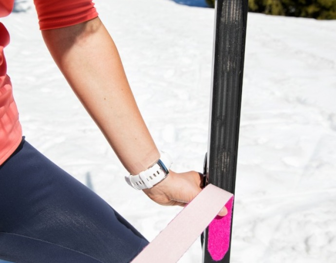 How to replace your classic cross-country ski skins?