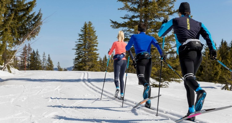How to cross-country ski?