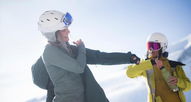 Wie findest du die optimale Bekleidung zum Skifahren?