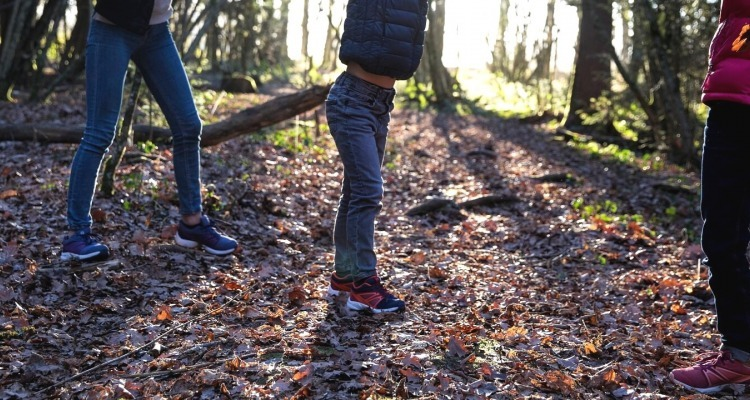 How to choose hiking shoes for kids