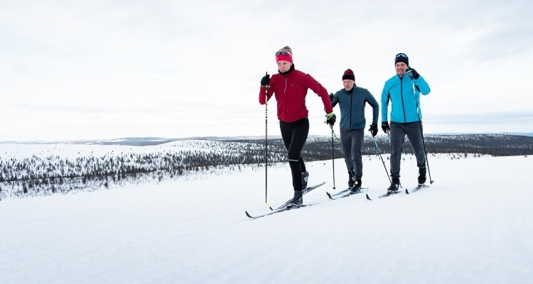 How to dress for cross-country skiing